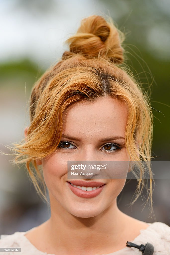 Bella Thorne visits 'Extra' at Universal Studios Hollywood on May 21, 2014 in Universal City, California.
