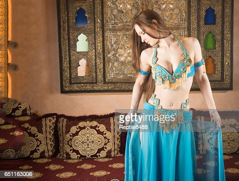 Belly dancer in Arabian belly dancing costume : Stock Photo