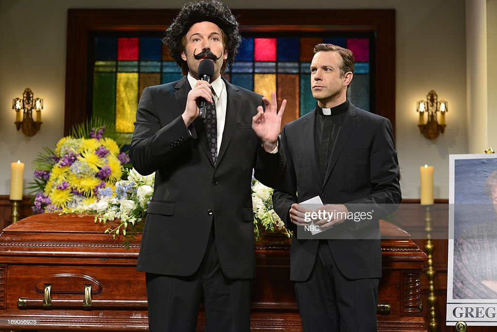 LIVE -- 'Ben Affleck' Episode 1641 -- Pictured: (l-r) Ben Affleck and Jason Sudeikis during a skit on May 18, 2013 --