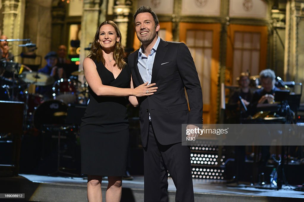 LIVE -- 'Ben Affleck' Episode 1641 -- Pictured: (l-r) Jennifer Garner and Ben Affleck during the monologue on May 18, 2013 --
