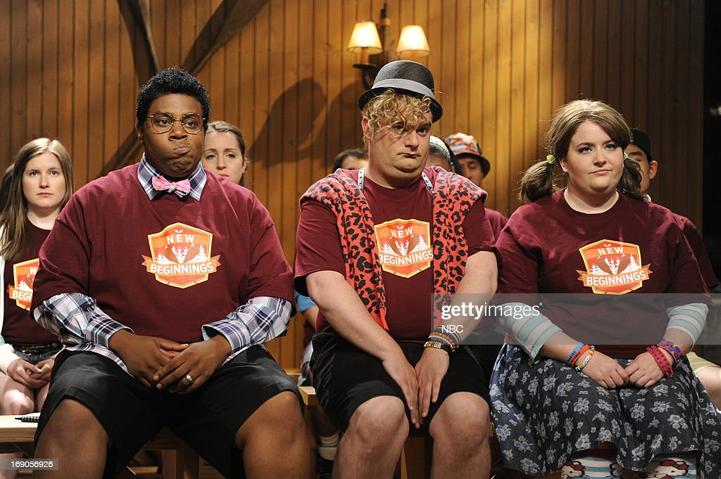 LIVE -- 'Ben Affleck' Episode 1641 -- Pictured: (l-r) Kenan Thompson, Bobby Moynihan and Aidy Bryant during a skit on May 18, 2013 --