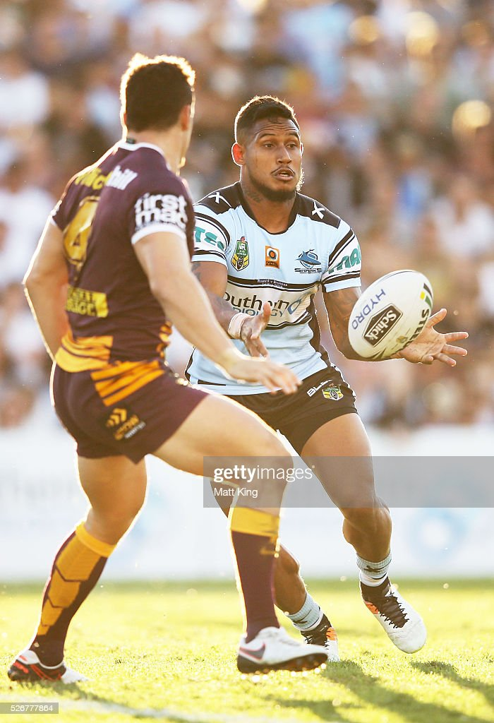Ben Barba of the Sharks passes during the round nine NRL match between the Cronulla Sharks and the Brisbane Broncos at Southern Cross Group Stadium on May 1, 2016 in Sydney, Australia.