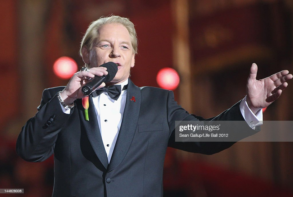 <a gi-track='captionPersonalityLinkClicked' href=/galleries/search?phrase=Ben+Becker&family=editorial&specificpeople=622206 ng-click='$event.stopPropagation()'>Ben Becker</a> co-hosts the show at the Life Ball 2012 AIDS charity fundraiser at City Hall on May 19, 2012 in Vienna, Austria.