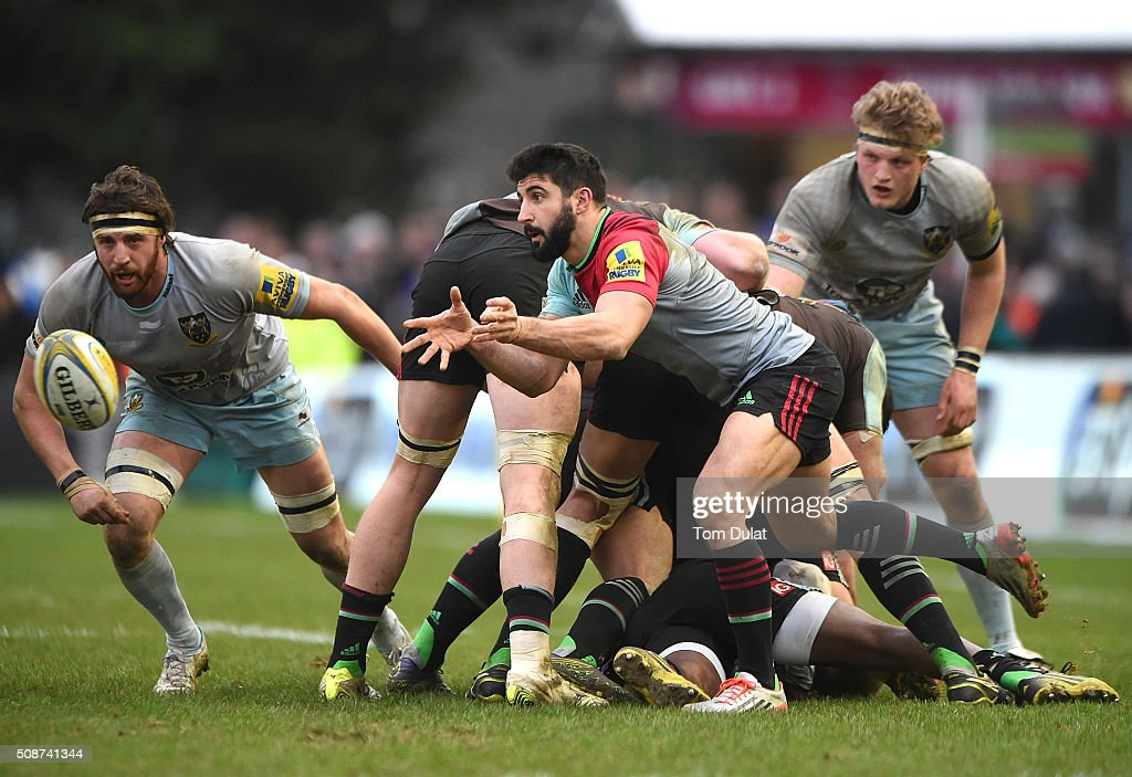 Ben Botica of Harlequins in action during the Aviva Premiership match between Harlequins and Northampton Saints at Twickenham Stoop on February 6, 2016 in London, England. (Photo by Tom Dulat/Getty Images).