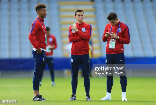 Ben Chilwell of England looks on with team mates prior to the UEFA European Under21 Championship Group A match between Slovakia and England at Kielce...