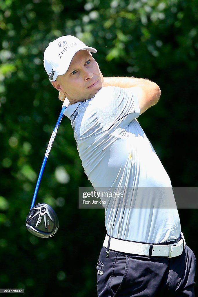 <a gi-track='captionPersonalityLinkClicked' href=/galleries/search?phrase=Ben+Crane&family=editorial&specificpeople=588003 ng-click='$event.stopPropagation()'>Ben Crane</a> plays his shot from the sixth tee during the Second Round of the DEAN & DELUCA Invitational at Colonial Country Club on May 27, 2016 in Fort Worth, Texas.