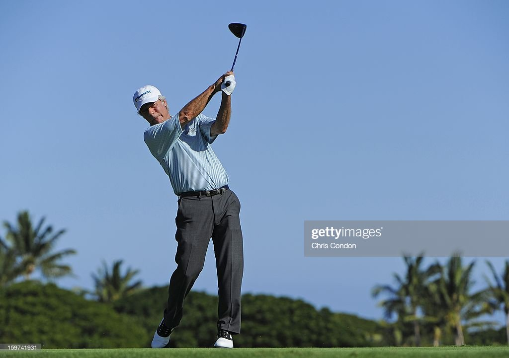 <a gi-track='captionPersonalityLinkClicked' href=/galleries/search?phrase=Ben+Crenshaw&family=editorial&specificpeople=213758 ng-click='$event.stopPropagation()'>Ben Crenshaw</a> plays from the second tee during the second round of the Mitsubishi Electric Championship at Hualalai Golf Club on January 19, 2013 in Ka'upulehu-Kona, Hawaii.
