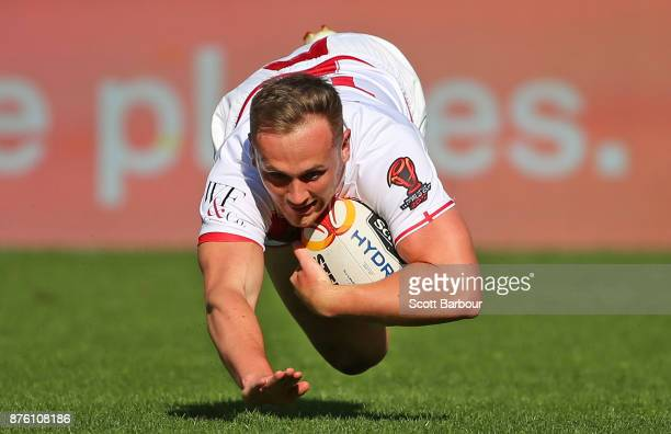 Ben Currie of England scores a try during the 2017 Rugby League World Cup Quarter Final match between England and Papua New Guinea Kumuls at AAMI...