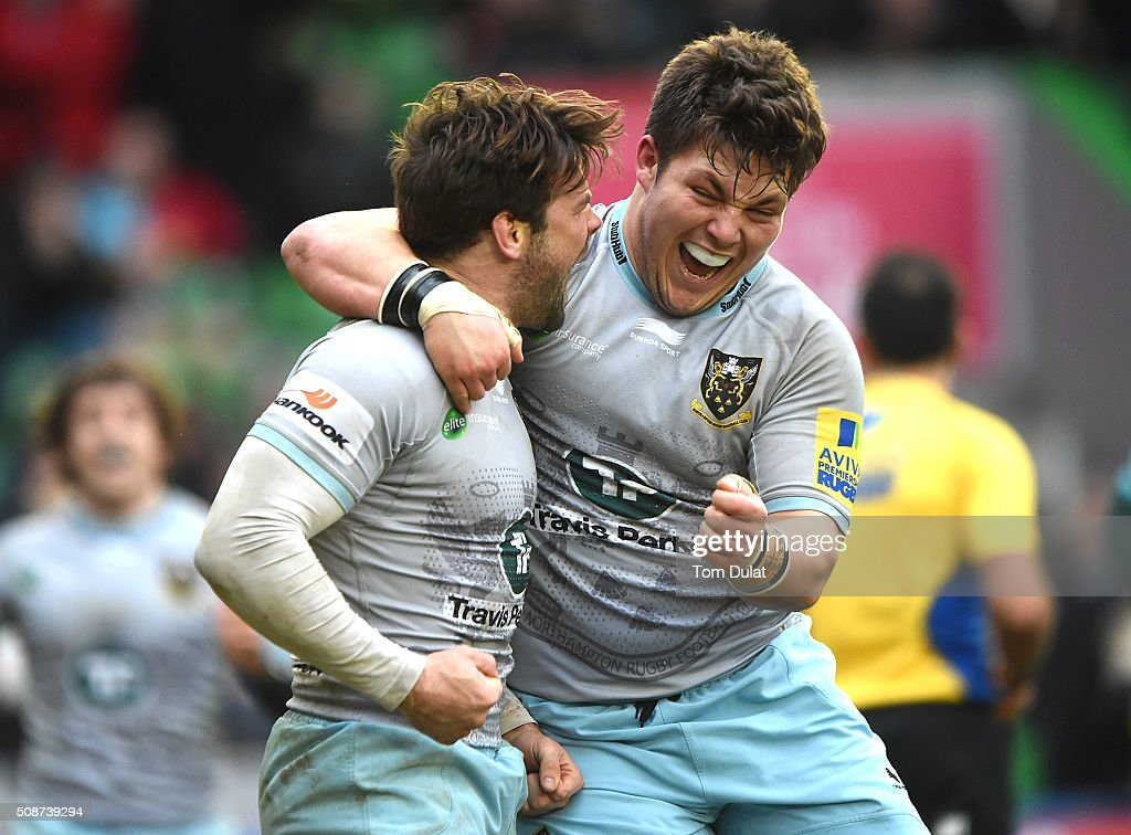 <a gi-track='captionPersonalityLinkClicked' href=/galleries/search?phrase=Ben+Foden&family=editorial&specificpeople=542798 ng-click='$event.stopPropagation()'>Ben Foden</a> (L) of Northampton Saints celebrates with Ethan Waller (R) scoring the winning try during the Aviva Premiership match between Harlequins and Northampton Saints at Twickenham Stoop on February 6, 2016 in London, England. (Photo by Tom Dulat/Getty Images).