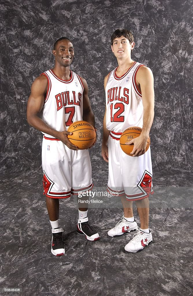 ¿Cuánto mide Derrick Rose? - Altura - Real height Ben-gordon-and-kirk-hinrich-2-of-the-chicago-bulls-pose-for-a-as-of-picture-id55848408