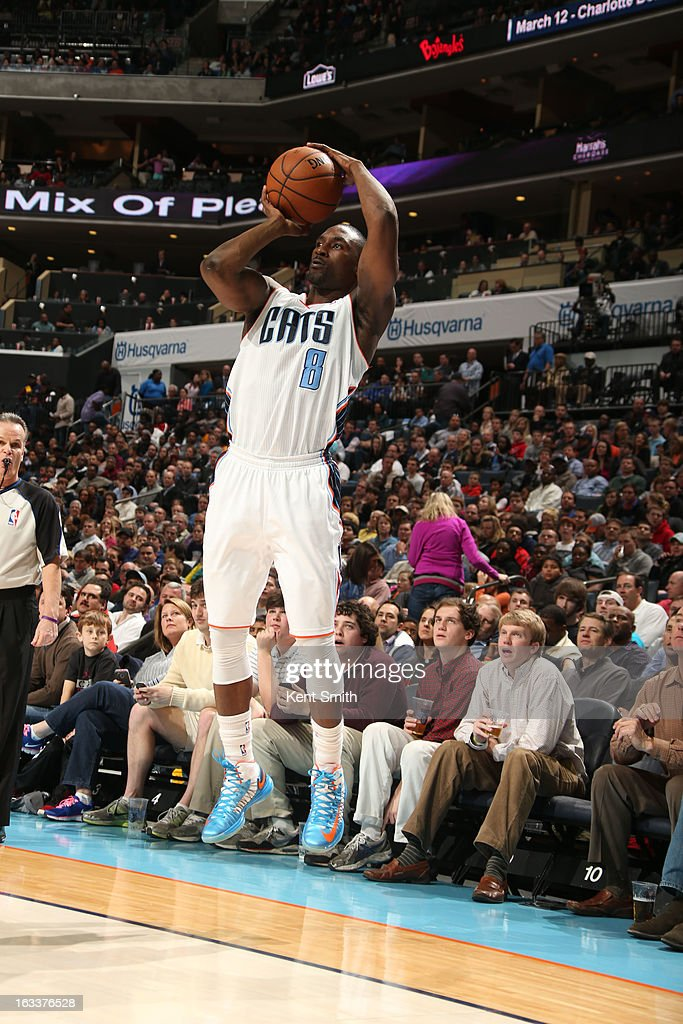 Ben Gordon #8 of the Charlotte Bobcats shoots against the Oklahoma City Thunder at the Time Warner Cable Arena on March 8, 2013 in Charlotte, North Carolina.