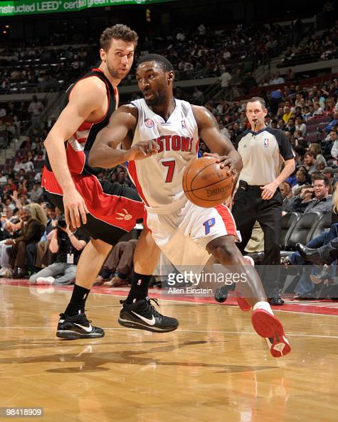 Ben Gordon of the Detroit Pistons drives around Andrea Bargnani of the Toronto Raptors in a game at the Palace of Auburn Hills on April 12 2010 in...