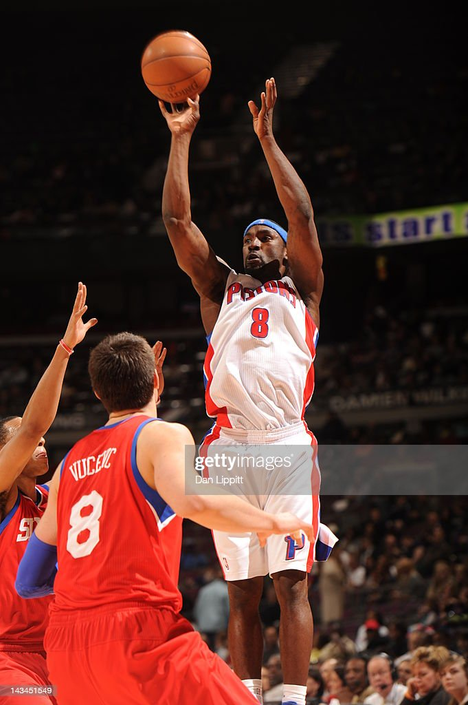 Ben Gordon #8 of the Detroit Pistons goes for a jump shot during the game between the Detroit Pistons and the Philadelphia 76ers on April 26, 2012 at The Palace of Auburn Hills in Auburn Hills, Michigan.