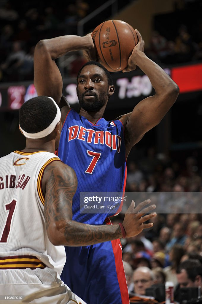 Ben Gordon #7 of the Detroit Pistons looks to pass against Daniel Gibson #1 of the Cleveland Cavaliers during the game at The Quicken Loans Arena on March 25, 2011 in Cleveland, Ohio.
