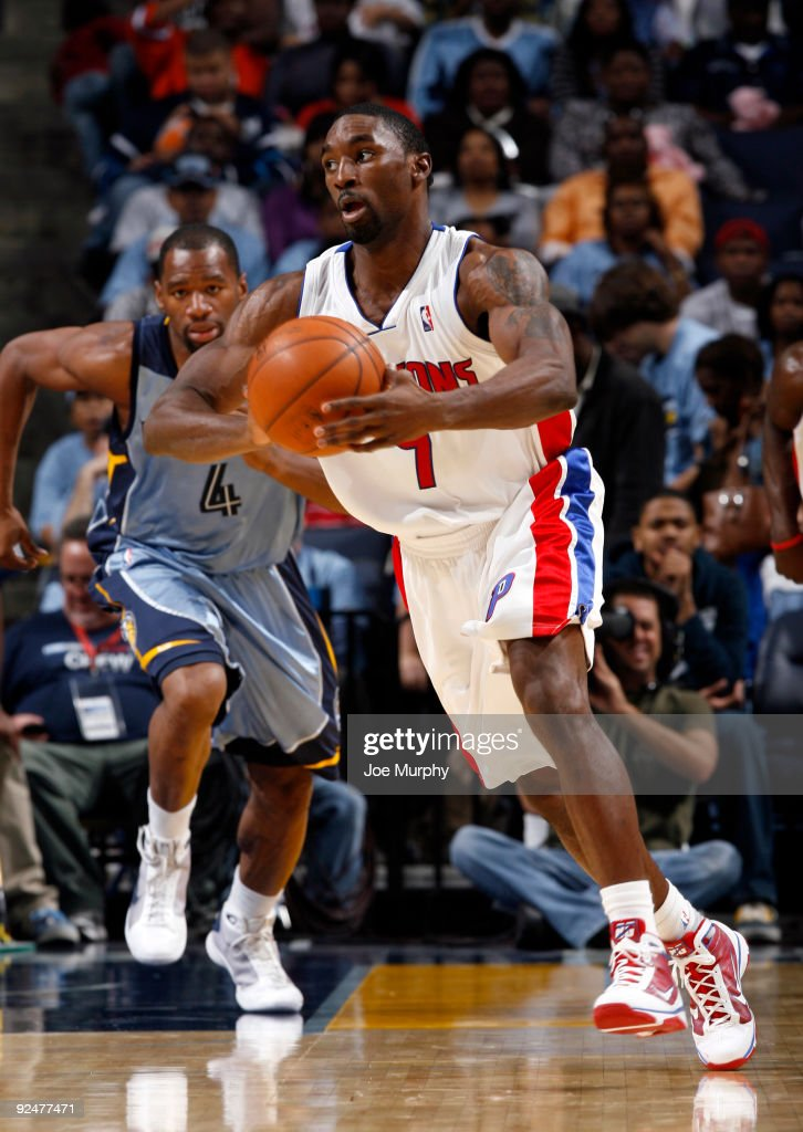 Ben Gordon of the Detroit PIstons looks to pass against the Memphis Grizzlies on October 28 2009 at FedExForum in Memphis Tennessee NOTE TO USER User...