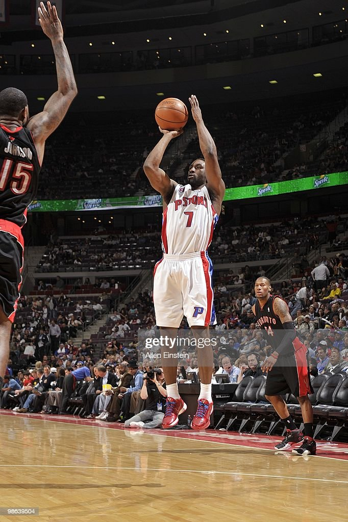 <a gi-track='captionPersonalityLinkClicked' href=/galleries/search?phrase=Ben+Gordon&family=editorial&specificpeople=202181 ng-click='$event.stopPropagation()'>Ben Gordon</a> #7 of the Detroit Pistons shoots a jump shot against <a gi-track='captionPersonalityLinkClicked' href=/galleries/search?phrase=Amir+Johnson&family=editorial&specificpeople=556786 ng-click='$event.stopPropagation()'>Amir Johnson</a> #15 of the Toronto Raptors during the game at the Palace of Auburn Hills on April 12, 2010 in Auburn Hills, Michigan. The Pistons won 111-97.