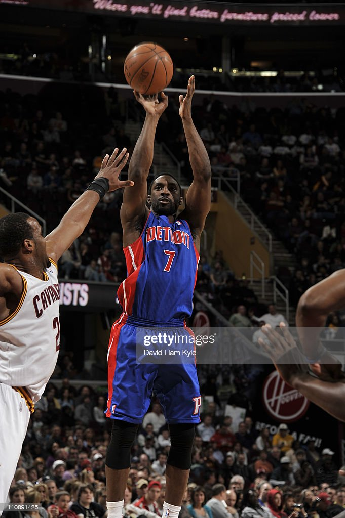 Ben Gordon #7 of the Detroit Pistons shoots against Samardo Samuels #24 of the Cleveland Cavaliers during the game at The Quicken Loans Arena on March 25, 2011 in Cleveland, Ohio.