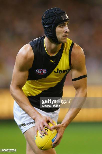 Ben Griffiths of the Tigers looks upfield during the round one AFL match between the Carlton Blues and the Richmond Tigers at Melbourne Cricket...