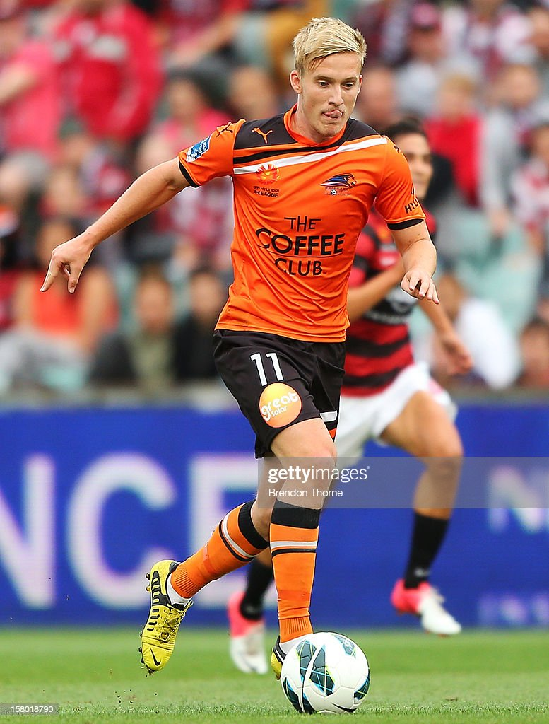 Ben Halloran of the Roar controls the ball during the round ten A-League match between the Western Sydney Wanderers and the Brisbane Roar at Parramatta Stadium on December 9, 2012 in Sydney, Australia.