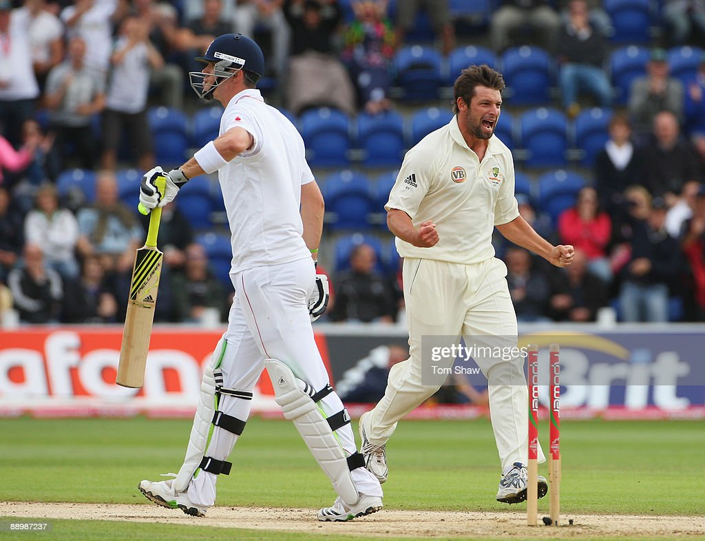 Ben Hilfenhaus of Australia celebrates the wicket of <a gi-track='captionPersonalityLinkClicked' href=/galleries/search?phrase=Kevin+Pietersen+-+Cricket+Player&family=editorial&specificpeople=202001 ng-click='$event.stopPropagation()'>Kevin Pietersen</a> of England during day five of the npower 1st Ashes Test Match between England and Australia at the SWALEC Stadium on July 12, 2009 in Cardiff, Wales.