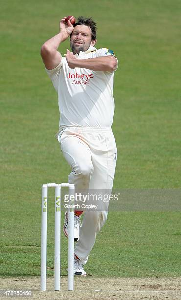 Ben Hilfenhaus of Nottinghamshire bowls during day three of the LV County Championship Division One match between Yorkshire and Nottinghamshire at...