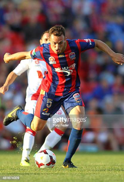 Ben Kantarovski of the Jets controls the ball during the round seven ALeague match between the Newcastle Jets and the Melbourne Heart at Hunter...