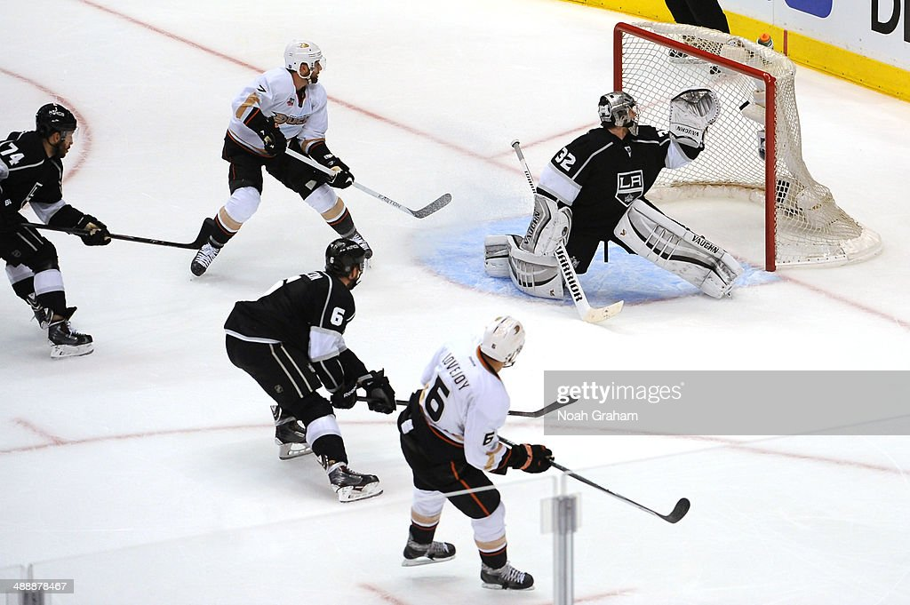 <a gi-track='captionPersonalityLinkClicked' href=/galleries/search?phrase=Ben+Lovejoy&family=editorial&specificpeople=4509565 ng-click='$event.stopPropagation()'>Ben Lovejoy</a> #6 of the Anaheim Ducks shoots and scores a goal against <a gi-track='captionPersonalityLinkClicked' href=/galleries/search?phrase=Jonathan+Quick&family=editorial&specificpeople=2271852 ng-click='$event.stopPropagation()'>Jonathan Quick</a> #32 of the Los Angeles Kings in Game Three of the Second Round of the 2014 Stanley Cup Playoffs at Staples Center on May 8, 2014 in Los Angeles, California.