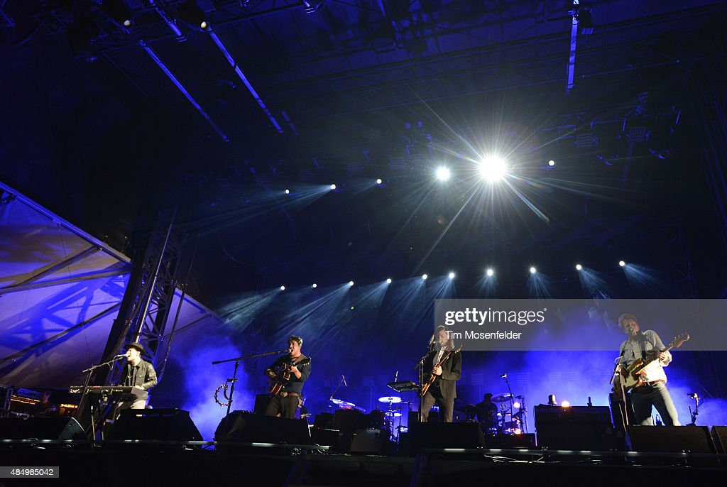 <a gi-track='captionPersonalityLinkClicked' href=/galleries/search?phrase=Ben+Lovett&family=editorial&specificpeople=3039181 ng-click='$event.stopPropagation()'>Ben Lovett</a>, <a gi-track='captionPersonalityLinkClicked' href=/galleries/search?phrase=Marcus+Mumford&family=editorial&specificpeople=5385533 ng-click='$event.stopPropagation()'>Marcus Mumford</a>, <a gi-track='captionPersonalityLinkClicked' href=/galleries/search?phrase=Winston+Marshall&family=editorial&specificpeople=3124664 ng-click='$event.stopPropagation()'>Winston Marshall</a>, and <a gi-track='captionPersonalityLinkClicked' href=/galleries/search?phrase=Ted+Dwane&family=editorial&specificpeople=5856816 ng-click='$event.stopPropagation()'>Ted Dwane</a> of Mumford & Sons perform during the Gentlemen of the Road Stopover on August 22, 2015 in Salida, Colorado.