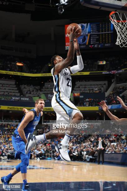 Ben McLemore of the Memphis Grizzlies drives to the basket against the Dallas Mavericks on November 22 2017 at FedExForum in Memphis Tennessee NOTE...