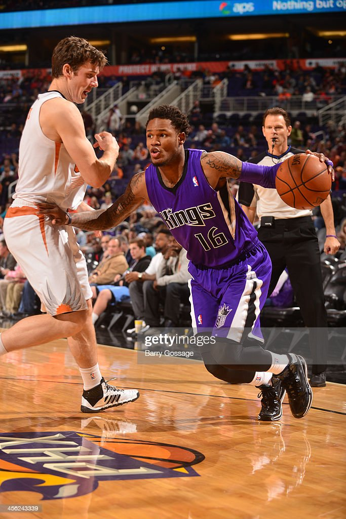 <a gi-track='captionPersonalityLinkClicked' href=/galleries/search?phrase=Ben+McLemore&family=editorial&specificpeople=9966388 ng-click='$event.stopPropagation()'>Ben McLemore</a> #16 of the Sacramento Kings drives against <a gi-track='captionPersonalityLinkClicked' href=/galleries/search?phrase=Goran+Dragic&family=editorial&specificpeople=4452965 ng-click='$event.stopPropagation()'>Goran Dragic</a> #1 of the Phoenix Suns on December 13, 2013 at U.S. Airways Center in Phoenix, Arizona.