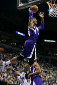 Ben McLemore of the Sacramento Kings dunks against the Minnesota Timberwolves on January 1 2015 at Target Center in Minneapolis Minnesota NOTE TO...
