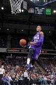 Ben McLemore of the Sacramento Kings goes up for a dunk against the Memphis Grizzlies on February 25 2015 at Sleep Train Arena in Sacramento...