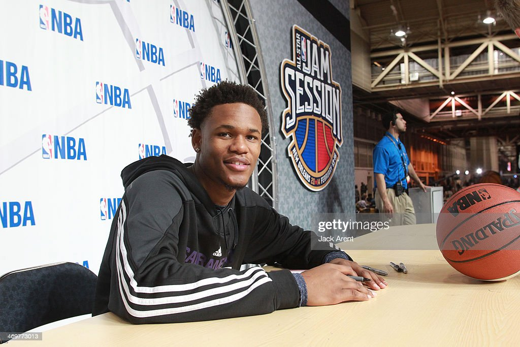 <a gi-track='captionPersonalityLinkClicked' href=/galleries/search?phrase=Ben+McLemore&family=editorial&specificpeople=9966388 ng-click='$event.stopPropagation()'>Ben McLemore</a> #16 of the Sacramento Kings signs an autograph for a fan during the 2014 NBA All-Star Jam Session at the Ernest N. Morial Convention Center on February 15, 2014 in New Orleans, Louisiana