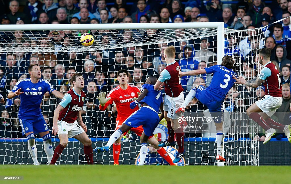 Ben Mee #6 of Burnley scores the equalising goal with a header during the Barclays Premier League match between Chelsea and Burnley at Stamford Bridge on February 21, 2015 in London, England.