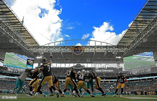 Ben Roethlisberger of the Pittsburgh Steelers passes during a game against the Miami Dolphins on October 16 2016 in Miami Gardens Florida