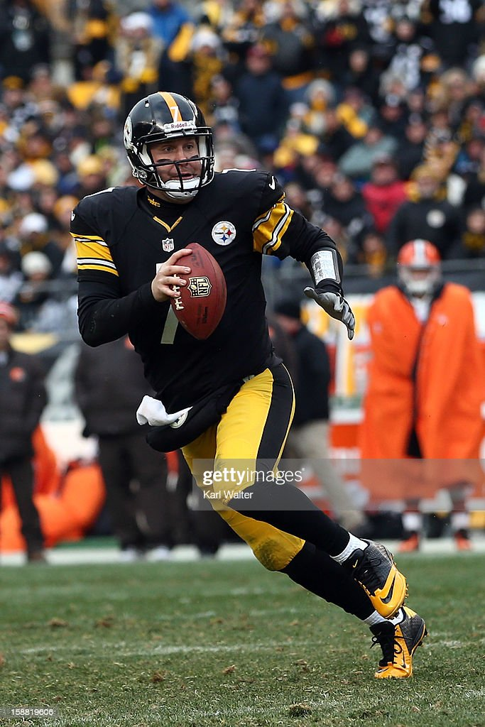 Ben Roethlisberger #7 of the Pittsburgh Steelers scrambles during the game against the Clevelend Browns at Heinz Field on December 30, 2012 in Pittsburgh, Pennsylvania.