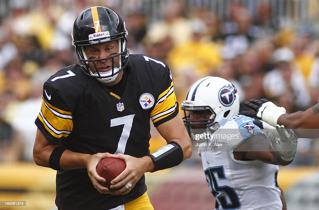 Ben Roethlisberger #7 of the Pittsburgh Steelers scrambles in the first half against the Tennessee Titans during the game on September 8, 2013 at Heinz Field in Pittsburgh, Pennsylvania.