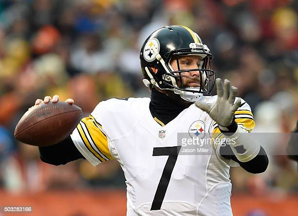 Ben Roethlisberger of the Pittsburgh Steelers throws a pass during the second quarter against the Cleveland Browns at FirstEnergy Stadium on January...