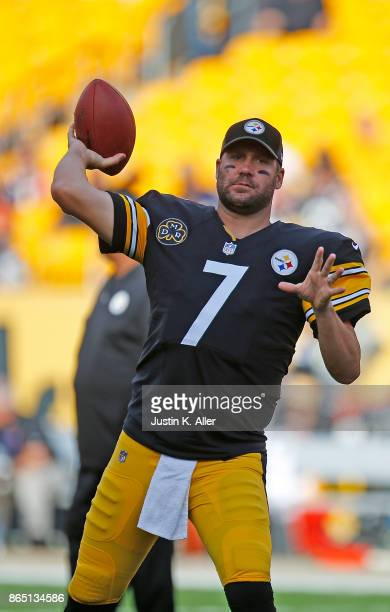 Ben Roethlisberger of the Pittsburgh Steelers warms up before the game against the Cincinnati Bengals at Heinz Field on October 22 2017 in Pittsburgh...