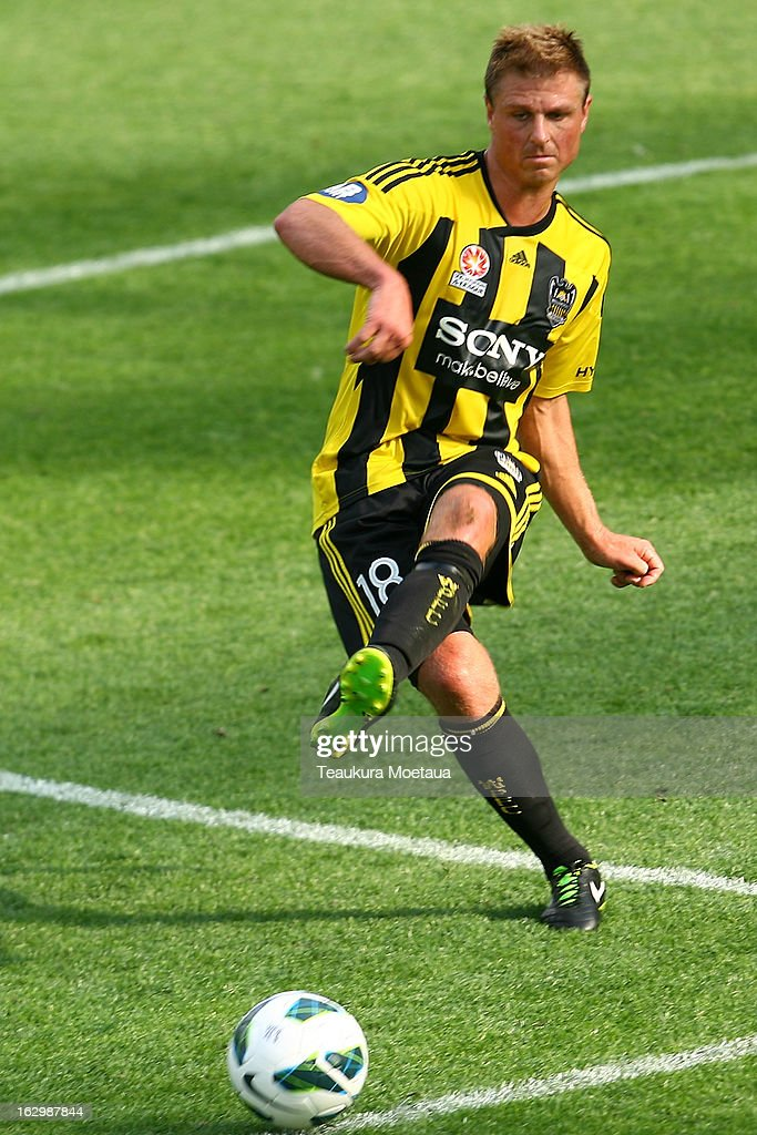 <a gi-track='captionPersonalityLinkClicked' href=/galleries/search?phrase=Ben+Sigmund&family=editorial&specificpeople=2231499 ng-click='$event.stopPropagation()'>Ben Sigmund</a> of the Wellington Phoenix looks to passl during the round 23 A-League match between the Wellington Phoenix and the Melbourne Heart at Forsyth Barr Stadium on March 3, 2013 in Dunedin, New Zealand.