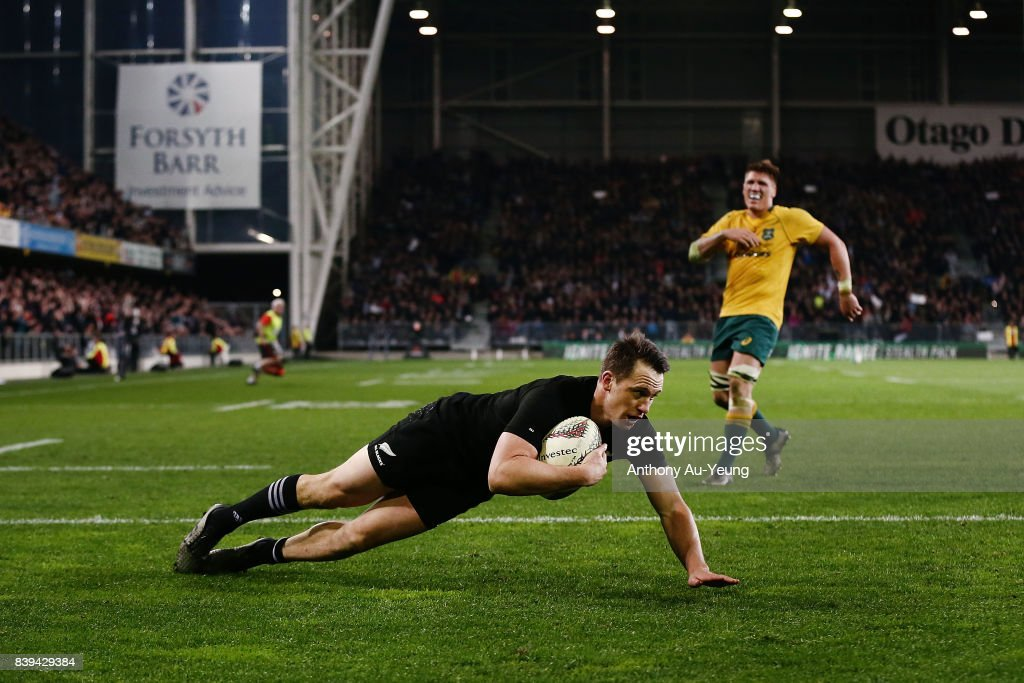 Ben Smith of the All Blacks scores a try during The Rugby Championship Bledisloe Cup match between the New Zealand All Blacks and the Australia Wallabies at Forsyth Barr Stadium on August 26, 2017 in Dunedin, New Zealand.