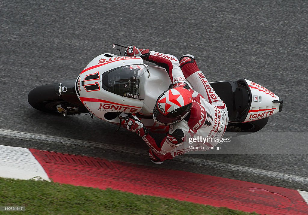 <a gi-track='captionPersonalityLinkClicked' href=/galleries/search?phrase=Ben+Spies&family=editorial&specificpeople=4295941 ng-click='$event.stopPropagation()'>Ben Spies</a> of USA and Ignite Pramac Racing Team rounds the bend during the MotoGP Tests in Sepang - Day Four at Sepang Circuit on February 6, 2013 in Kuala Lumpur, Malaysia.