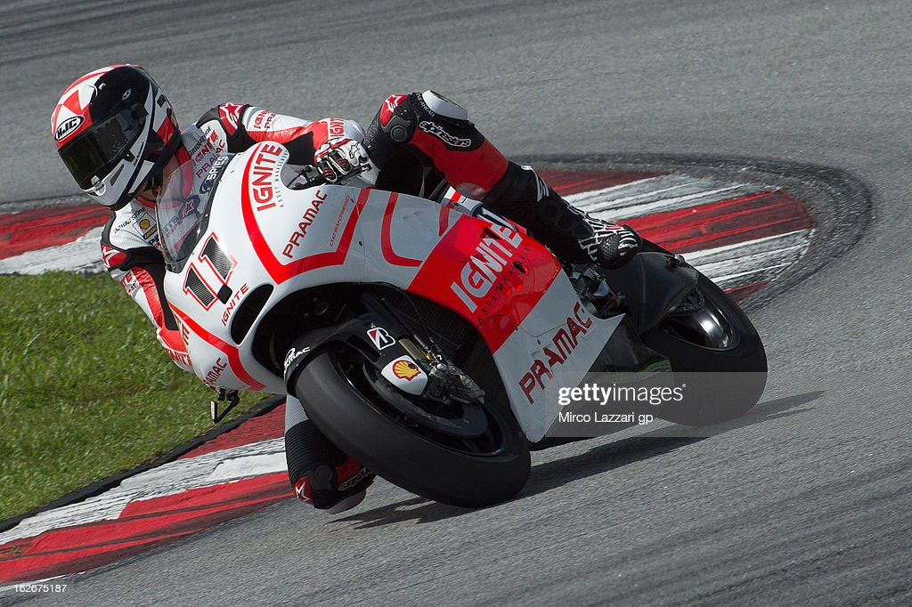 Ben Spies of USA and Ignite Pramac Racing Team rounds the bend during day one of MotoGP Tests at Sepang Circuit on February 26, 2013 in Kuala Lumpur, Malaysia.