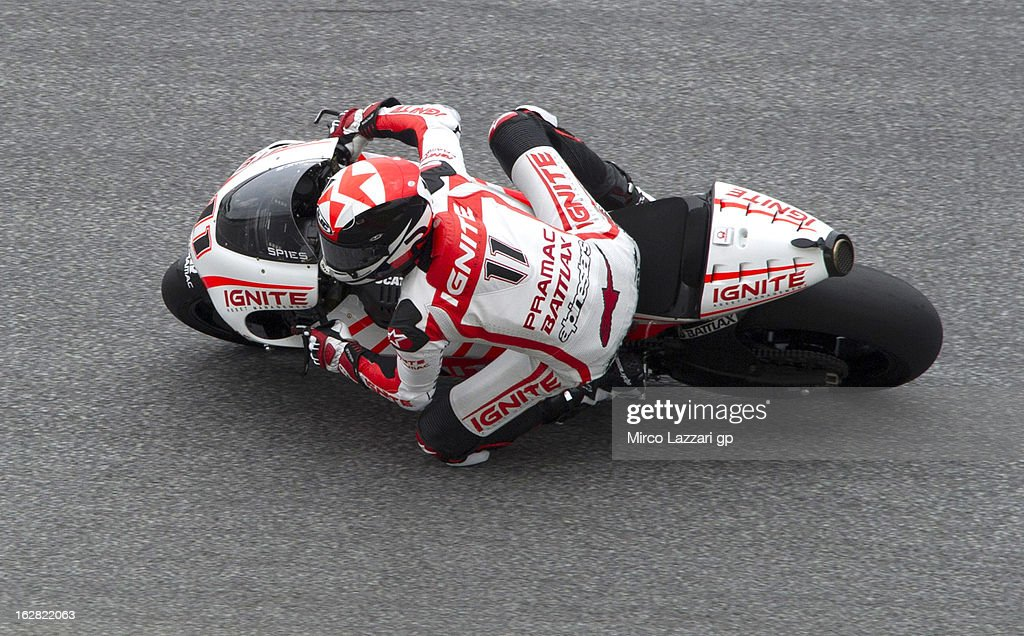 <a gi-track='captionPersonalityLinkClicked' href=/galleries/search?phrase=Ben+Spies&family=editorial&specificpeople=4295941 ng-click='$event.stopPropagation()'>Ben Spies</a> of USA and Ignite Pramac Racing Team rounds the bend during MotoGP Tests in Sepang - Day Three at Sepang Circuit on February 28, 2013 in Kuala Lumpur, Malaysia.