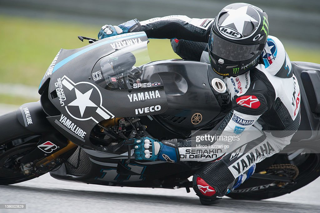 Ben Spies of USA and Yamaha Factory Racing rounds the bend during the first day of MotoGP testing at Sepang Circuit on January 31 2012 in Kuala...
