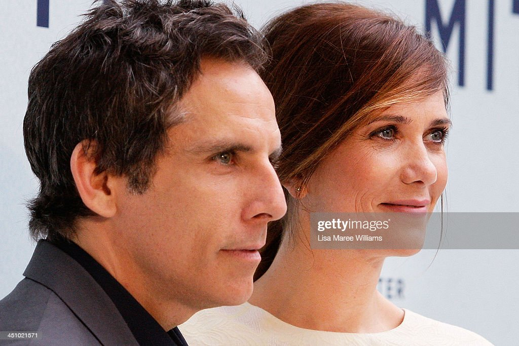 <a gi-track='captionPersonalityLinkClicked' href=/galleries/search?phrase=Ben+Stiller&family=editorial&specificpeople=201806 ng-click='$event.stopPropagation()'>Ben Stiller</a> and <a gi-track='captionPersonalityLinkClicked' href=/galleries/search?phrase=Kristen+Wiig&family=editorial&specificpeople=4029391 ng-click='$event.stopPropagation()'>Kristen Wiig</a> arrive at the Australian Premiere of The Secret Life of Walter Mitty at Sydney Entertainment Centre on November 21, 2013 in Sydney, Australia.