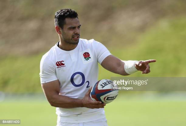 Ben Te'o issues instructions during the England training session held at Pennyhill Park on February 24 2017 in Bagshot England
