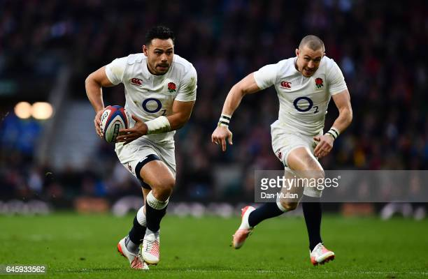 Ben Te'o of England makes a break during the RBS Six Nations match between England and Italy at Twickenham Stadium on February 26 2017 in London...
