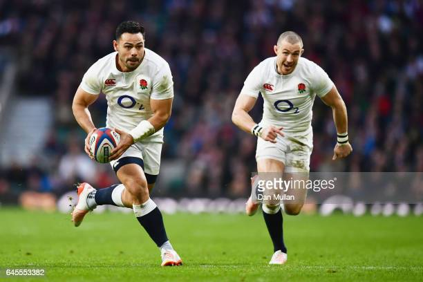 Ben Te'o of England runs with the ball during the RBS Six Nations match between England and Italy at Twickenham Stadium on February 26 2017 in London...