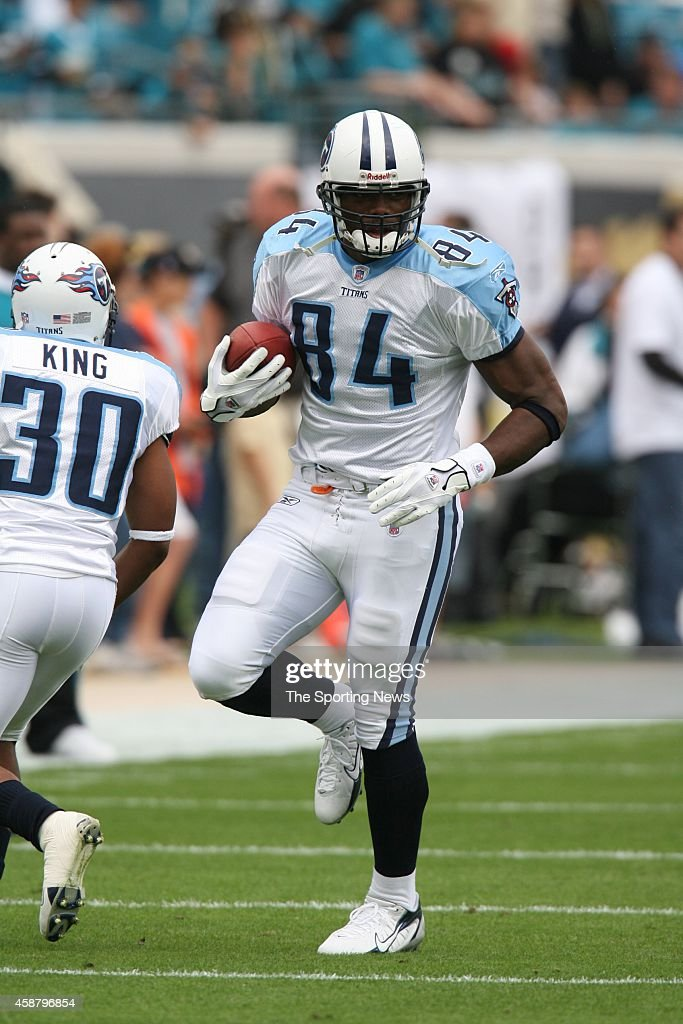 Ben Troupe #84 of the Tennessee Titans runs with the ball during warm-ups before a game against the Jacksonville Jaguars on November 5, 2006 at the Alltel Stadium in Jacksonville, Florida.